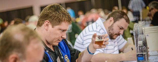 Juez BJCP utilizando la Guía Estilos de Cerveza BJCP