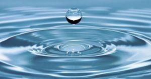 Gota cayendo al agua